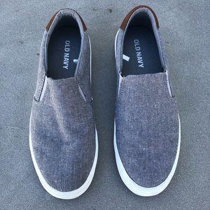 Old Navy Shoes - Men's size 8 slip on sneaker